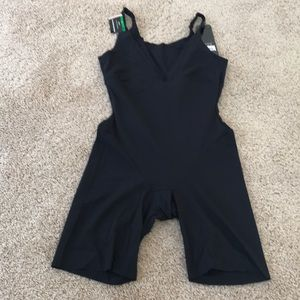 New! Maiden form large  firm control shapewear .